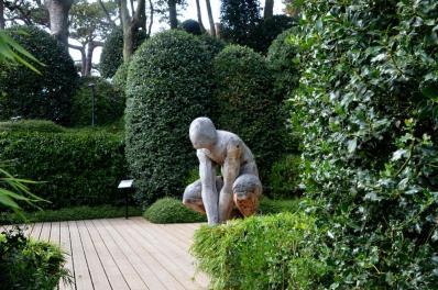 Etretat sculpture 3